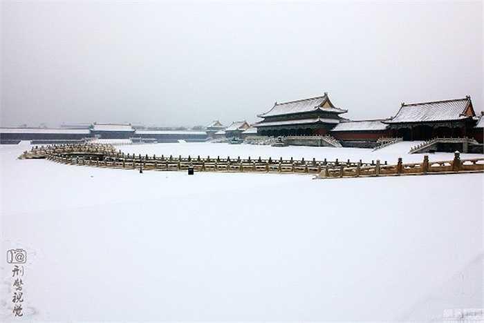 Trong khi Thượng Hải vẫn còn khá ấm áp thì Bắc Kinh đã bị tuyết phủ từ ngày 6/11