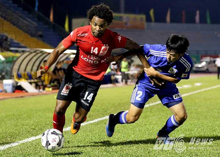 Ở trận đấu còn lại, ĐTLA đã xuất sắc cầm hòa đội bóng SV Nhật Bản với tỷ số 1-1.