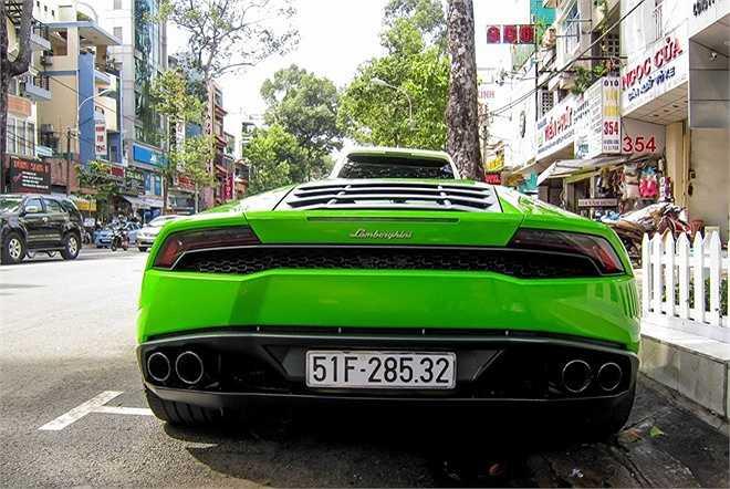 Các đại gia Việt lại tiếp tục nhập hàng loạt Huracan. Theo ước tính, trị giá siêu xe này khoảng 13 tỷ tại Việt Nam (chưa bao biển số).
