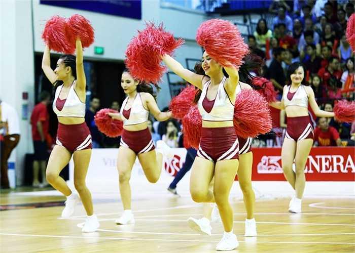 Ở trận ra quân, Sài Gòn Heat đã để thua Singapore Slingers với tỷ số 74-86.