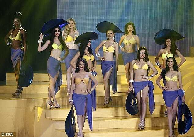 27 thí sinh trình diễn áo tắm. Nhiều trang truyền thông đánh giá, ban tổ chức đầu tư kỹ càng cho mọi phần thi.