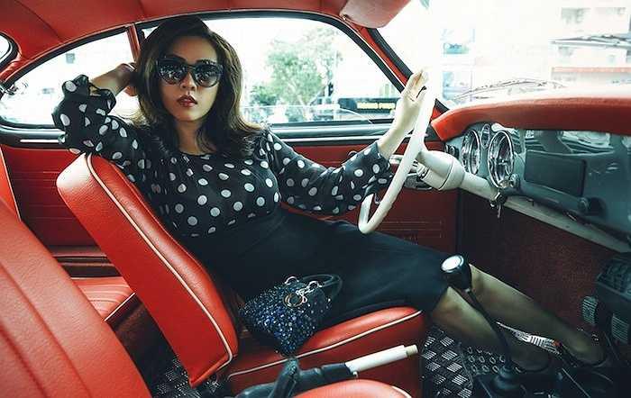 Đây là lần hiếm hoi hoa hậu Thu Hoài chụp ảnh thời trang.