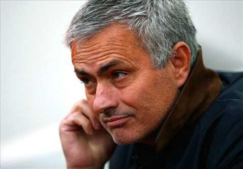 Mourinho luôn có suy nghĩ, những ai làm trái ý ông tức là muốn chống phá ông
