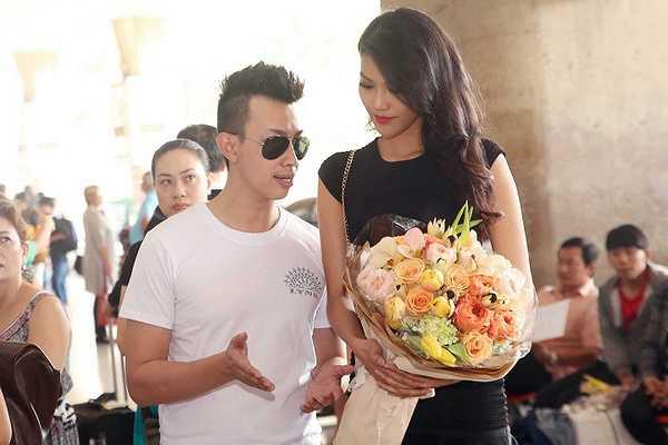 Gặp Lan Khuê, Alexis Mabille khen Lan Khuê đẹp và có chiều cao lý tưởng, ông bất ngờ về vẻ đẹp của người mẫu Việt và bày tỏ hy vọng rằng trong buổi làm việc với những người mẫu sắp tới sẽ được gặp thêm nhiều người mẫu Việt đẹp như Lan Khuê.
