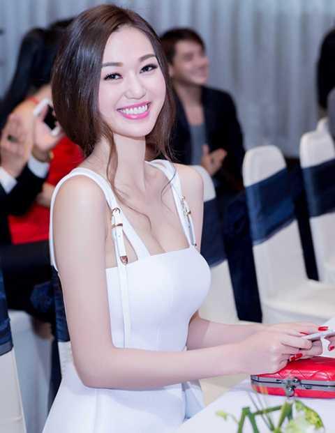 Đằng sau nghệ danh rất kêu của Khánh My là một tên thật hết sức giản dị. Nguyễn Thị Nhàn là tên trong giấy khai sinh của Khánh My.