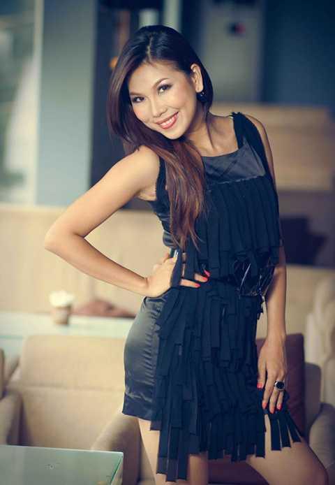 Nữ ca sĩ Khánh Ngọc từng đoạt giải Nhất cuộc thi Tiếng hát truyền hình năm 2004 với tên thật là Nguyễn Thị Hồng Thanh.