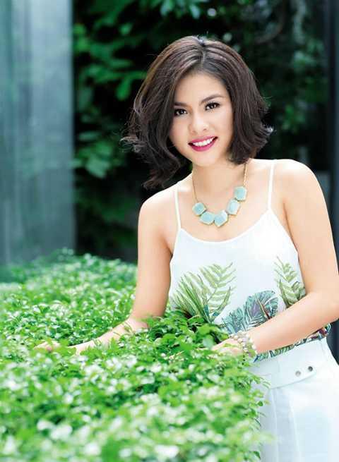 Nữ diễn viên Vân Trang được khán giả yêu mến qua nhiều vai diễn ấn tượng. Tên gọi Vân Trang từ lâu đã đi sâu vào lòng người hâm mộ. Thế nhưng tên thật của nữ diễn viên lại là Nguyễn Ngọc Thùy Trang.
