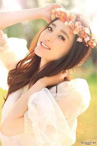 Nữ diễn viên sinh năm 1985 được khen ngợi bởi vẻ đẹp tự nhiên, làn da khỏe mạnh, sáng mịn. Cũng từ chương trình này, giới truyền thông và khán giả gọi Vương Lệ Khôn là Mỹ nhân mặt mộc đẹp nhất Trung Quốc