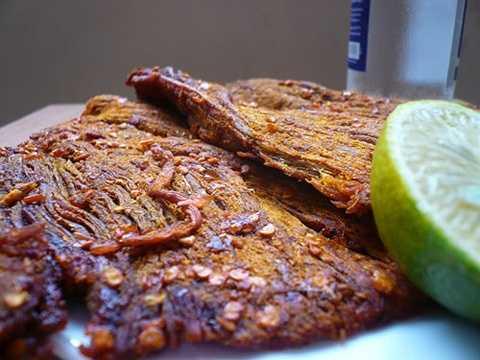 Thịt nai khô Diên Khánh (Nha Trang) vốn nổi tiếng thơm, ngon và bán rất được giá.