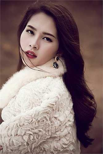 Vẻ đẹp của Hoa hậu Thu Thảo không thua kém gì nhan sắc của các người đẹp nổi tiếng trênThế giới