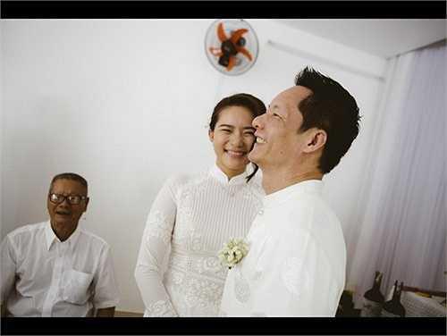 Cặp đôi hạnh phúc trong ngày lễ đính hôn