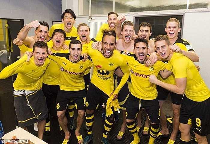 Nhưng không mấy người bận tâm về điều này bởi chính Aubameyang đã giúp Dortmund có chiến thắng ấn tượng trước Schalke 04 trong trận derby vùng Ruhr