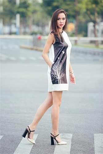 Năm 2007, Ngọc Anh tham gia cuộc thi sắc đẹp đầu tiên là Hoa hậu Thế giới người Việt.