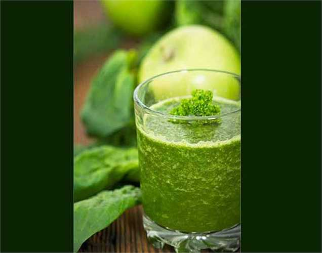 Nước ép rau cải, nho xanh với sức khỏe của xương: nước rau xanh này rất giàu chất sắt (cần cho thời kỳ mang thai), và vitamin K. Nó cũng có lợi cho lưu thông máu và là nước ép rau quả tốt nhất cho sức khỏe của xương.