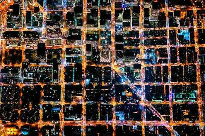 Những con đường chằng chịt dọc ngang ở San Francisco như hình bàn cờ đã tạo nên bức tranh sinh động