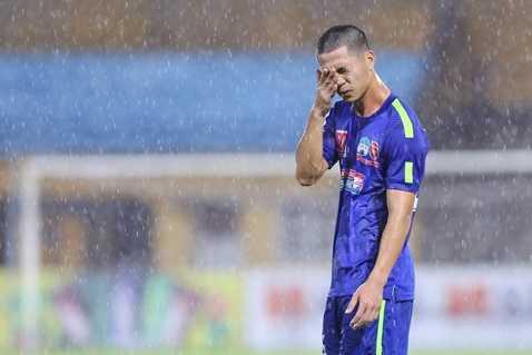 Công Phượng bận sang Nhật, không dự lễ công chiếu phim về Ronaldo