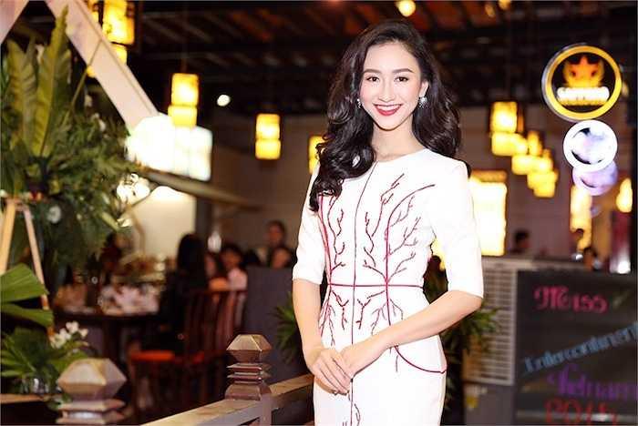Tuy vậy, Hà Thu khẳng định cô vẫn không ngừng rèn luyện cơ thể, trao dồi các kỹ năng mềm và bổ sung kiến thức để có thể tự tin nhận trọng trách tham gia Miss Intercontinental 2015 năm nay.