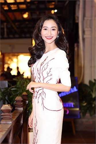 Đại diện Việt Nam tham gia HH Liên lục địa cũng tiết lộ hiện tại cô đang nỗ lực hết sức mình để có thể tự tin tham gia các hoạt động xuyên suốt bên lề của cuộc thi cũng như cố gắng hoàn thành thật tốt các phần thi phụ.