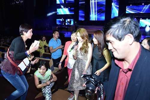 Mỹ Tâm nhận được nhiều tình cảm của khán giả nhưng theo bầu show Hoài Vũ, cô đã không tôn trọng người xem khi không ra chào khán ở cuối các show diễn. Ảnh: BTC