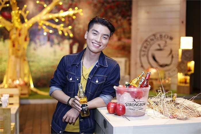 MC Ngọc Trai là một trong những vị khách mời đến sớm nhất.