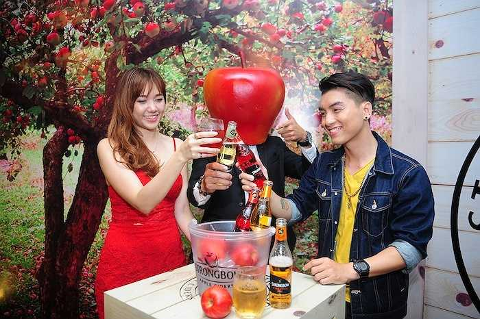Cùng ngắm thêm những hình ảnh ngọt ngào của Ngọc Trai và Hari Won: