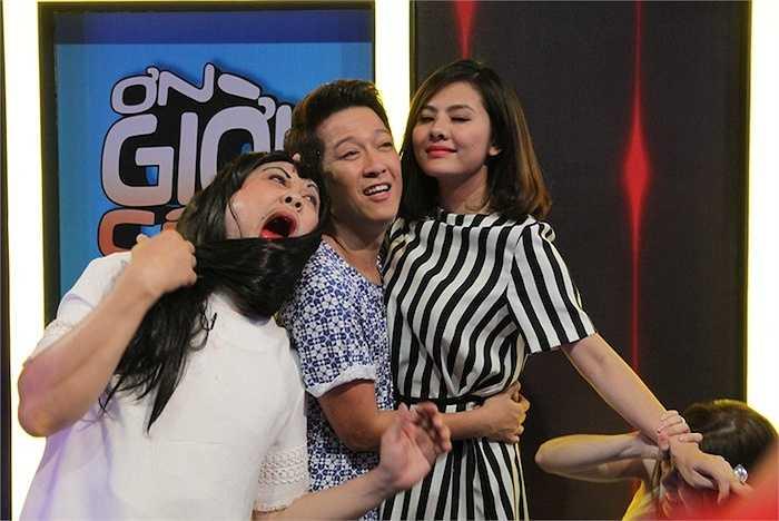 Cùng ngắm thêm những hình ảnh hậu trường tập 3 'Ơn giời cậu đây rồi' với các khách mời Vân Trang, Diễm My 9x, La Thành và Hữu Quốc: