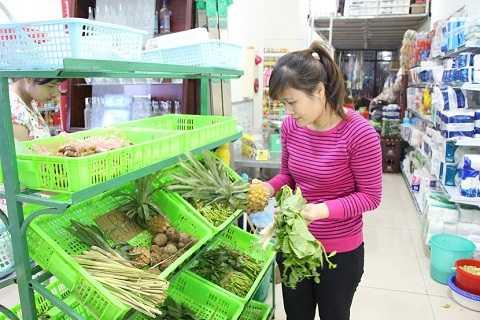 Việc mua sắm ngay ở tầng 1 của tòa nhà giúp chị Ngọc cảm thấy cuộc sống nhẹ nhàng hơn rất nhiều