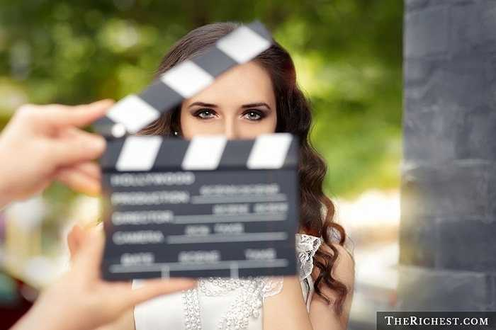 Không thể chối cãi được sức hấp dẫn tỏa ra từ các nữ diễn viên xinh đẹp. Nghề này đòi hỏi người diễn viên có vẻ đẹp ngoại hình và phong cách thời trang ấn tượng.