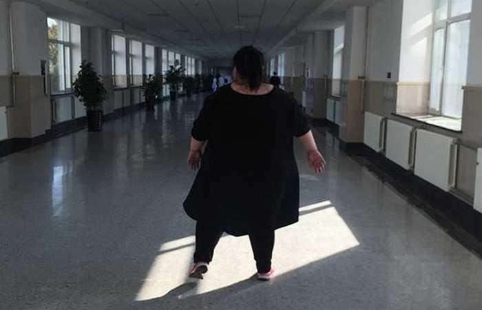 Cân nặng khổng lồ của cô đã kéo theo nhiều vấn đề sức khỏe