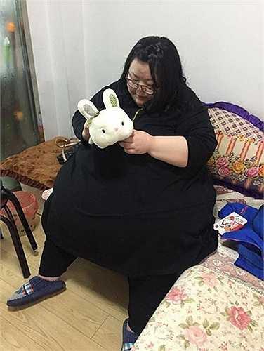 Các bác sĩ cho biết với ca phẫu thuật này cô có thể giảm được khoảng 50kg mỗi năm