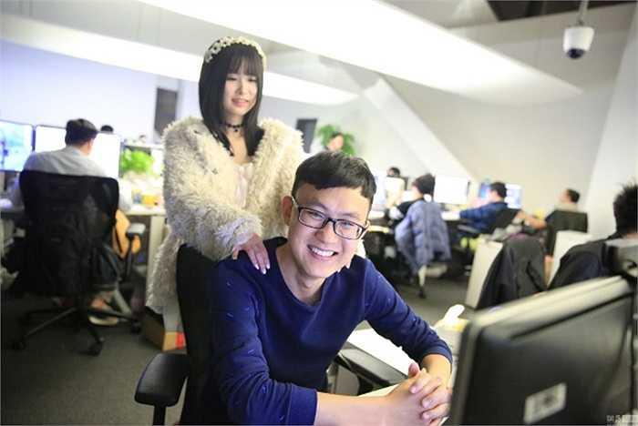 Những cô gái trẻ được thuê về công ty game ở Thượng Hải