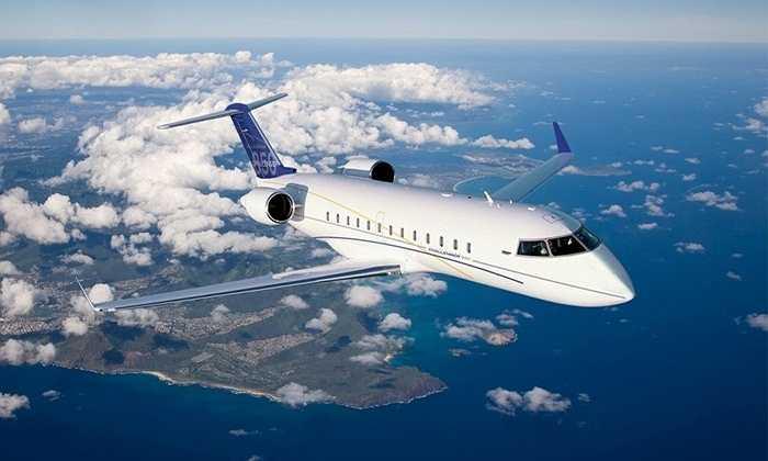 Bombardier Challenger 850. Từng được thiết kế để dành cho việc chở khách nhưng cuối cùng Bombardier Challenger 850 lại sở hữu các đường nét quá sang trọng và được các đại gia ưa thích. Ngoài các dịch vụ cơ bản, chiếc máy bay này như một ngôi nhà trên không. Beyonce đã từng mua cho ông chồng nổi tiếng Jay Z trong năm 2012