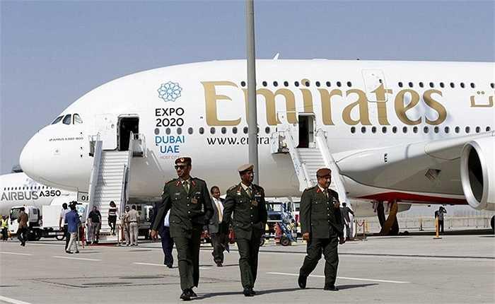 A380 được giới thiệu ở triển lãm hàng không Dubai Air Show vừa diễn ra ở Dubai. Loại máy bay này sẽ được đưa vào khai thác thương mại từ tháng 12 với đường bay Dubai -Copenhagen