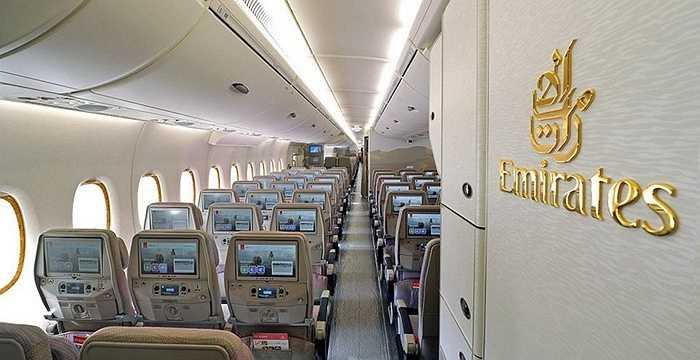 Các hàng ghế dành cho khách hạng phổ thông có màn hình 13,1 inch, thoải mái không hề cảm thấy chật chội