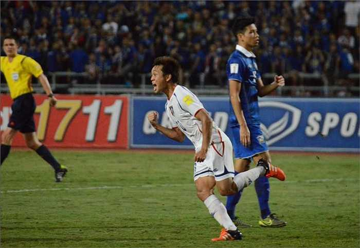 Chiến thuật phòng ngự phản công của HLV Chen Kue còn mang về cho Đài Loan TQ thêm một bàn thắng ở phút thứ 65 do công của Hung Kai – chun