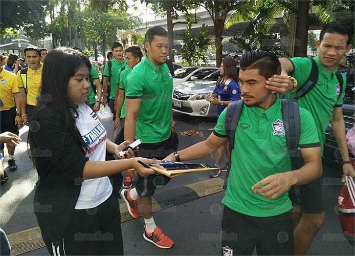 Thái Lan tỏ ra vượt trội so với đối thủ trong bảng đấu, kể cả là Iraq