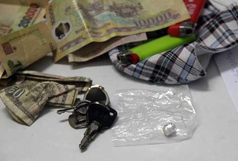 Kiểm tra, mũ bảo hiểm, phát hiện, giấu ma túy, Đà Nẵng, CSGT