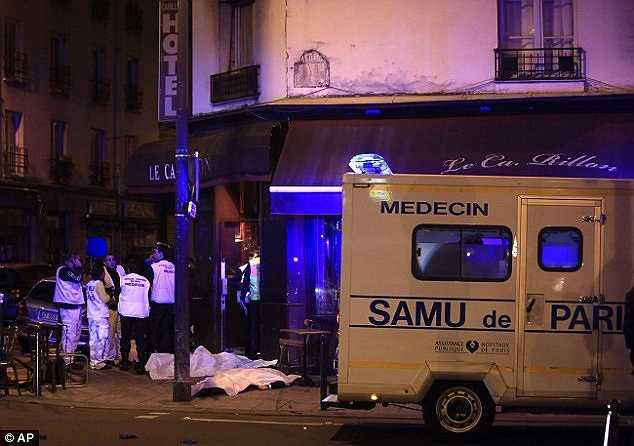Những hình ảnh về khủng bố ở Paris nhanh chóng được truyền đi khắp thế giới.