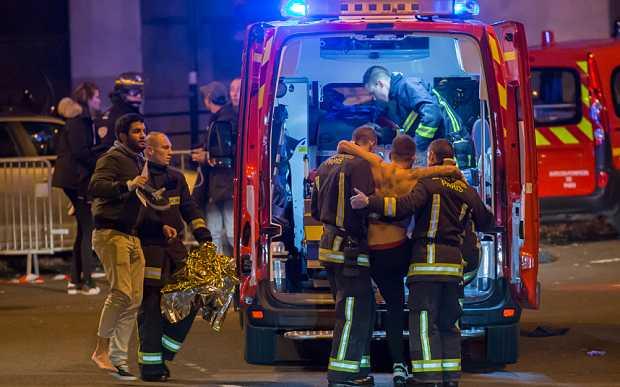 Lực lượng cứu hộ có mặt tại hiện trường