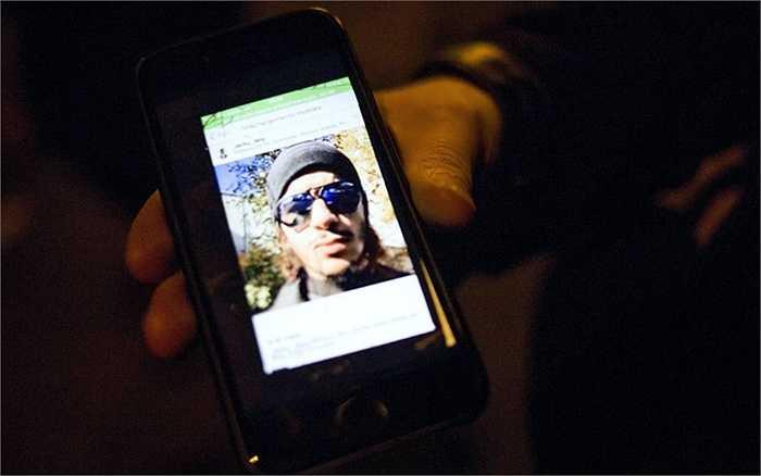 Hình ảnh một nạn nhân được đưa lên mạng xã hội