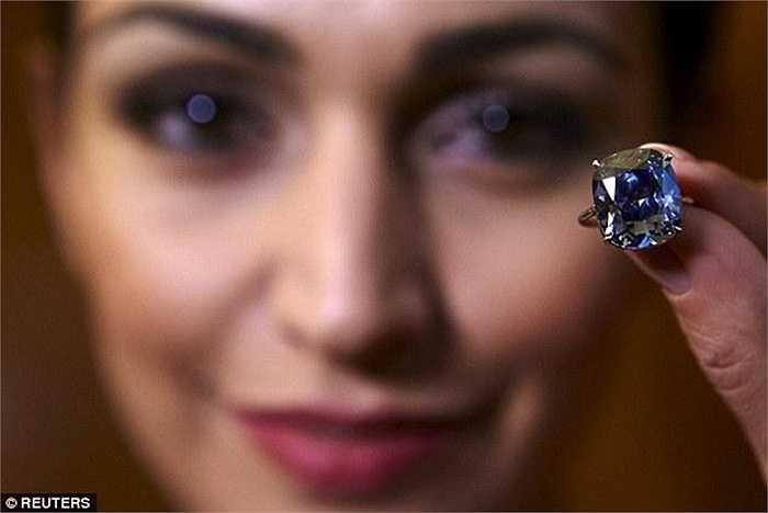 Một doanh nhân đến từ Hongkong đã chi số tiền khổng lồ 48,4 triệu USD để mua viên kim cương này