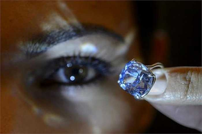 Viên kim cương được đánh giá đẹp về hình thức lẫn độ trong suốt, nó được ví như viên đá ma thuật