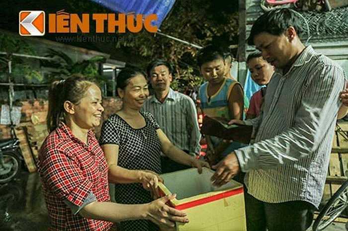Hoàn cảnh của hai mẹ con rất khó khăn. Sau khi xảy ra sự việc, một chiếc thùng từ thiện đã được những người hàng xóm lập tại hiện trường để quyên góp tiền hỗ trợ cho gia đình các nạn nhân lo mai táng.