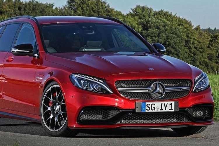 Chiếc Mercedes-AMG C 63 S Estate này về nguyên bản nó đã đạt được sức mạnh ngang ngửa so với các mẫu xe thể thao khác.