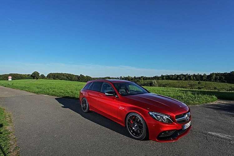 Sau khi hoàn thành, con số cuối cùng mà hãng độ Đức đưa ra là 640 mã lực, quá đủ cho một chiếc Mercedes-AMG C63 S Estate.