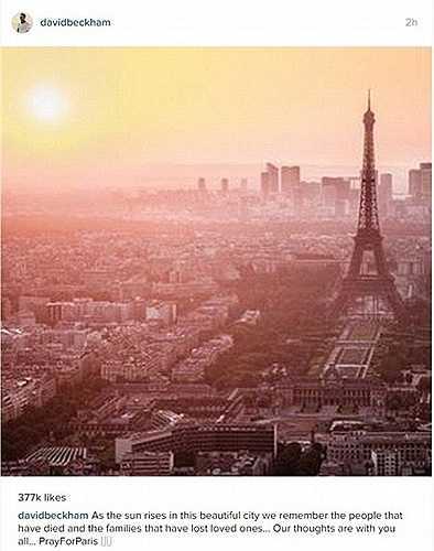 Cầu thủ bóng đá người Anh David Beckham đăng tải hình ảnh tháp Eiffel và dòng hashtag #PrayforParis