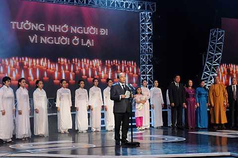 Phó thủ tướng Nguyễn Xuân Phúc phát biểu tại buổi lễ tưởng niệm