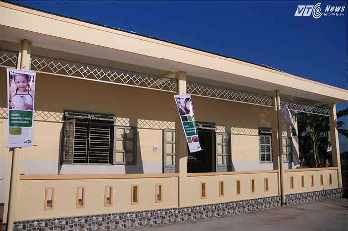 Trường mầm non được xây dựng kiên cố, khang trang thay thế cho những lớp học cũ của xã