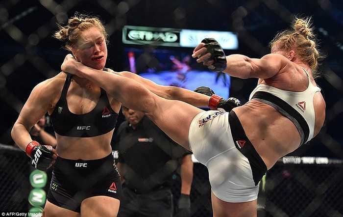 Điều ấy là hoàn toàn có cơ sở bởi Ronda Rousey đã bất bại 12 trận liên tiếp kể từ khi gia nhập làng UFC
