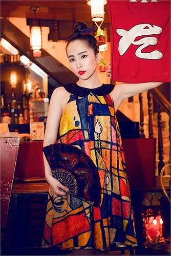Sắp tới cô sẽ cho ra mắt MV gồm những ca khúc nhạc dance sôi động với sự hỗ trợ của một ekip hàn quốc chuyên nghiệp.